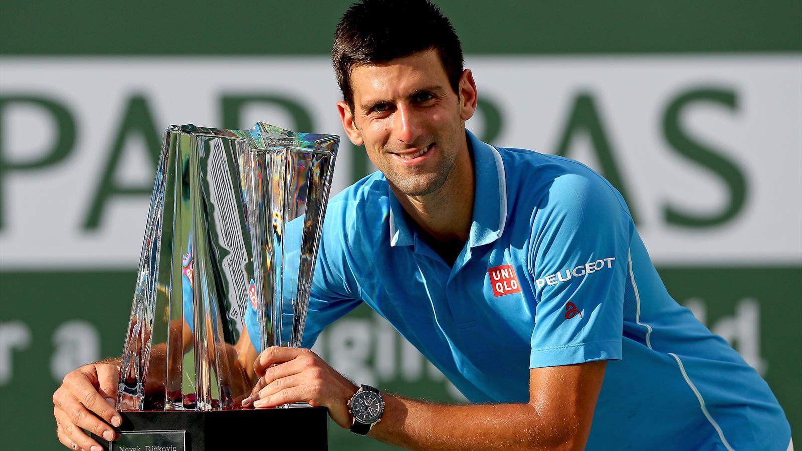 Novak Djokovic l'emporte sur Roger Federer