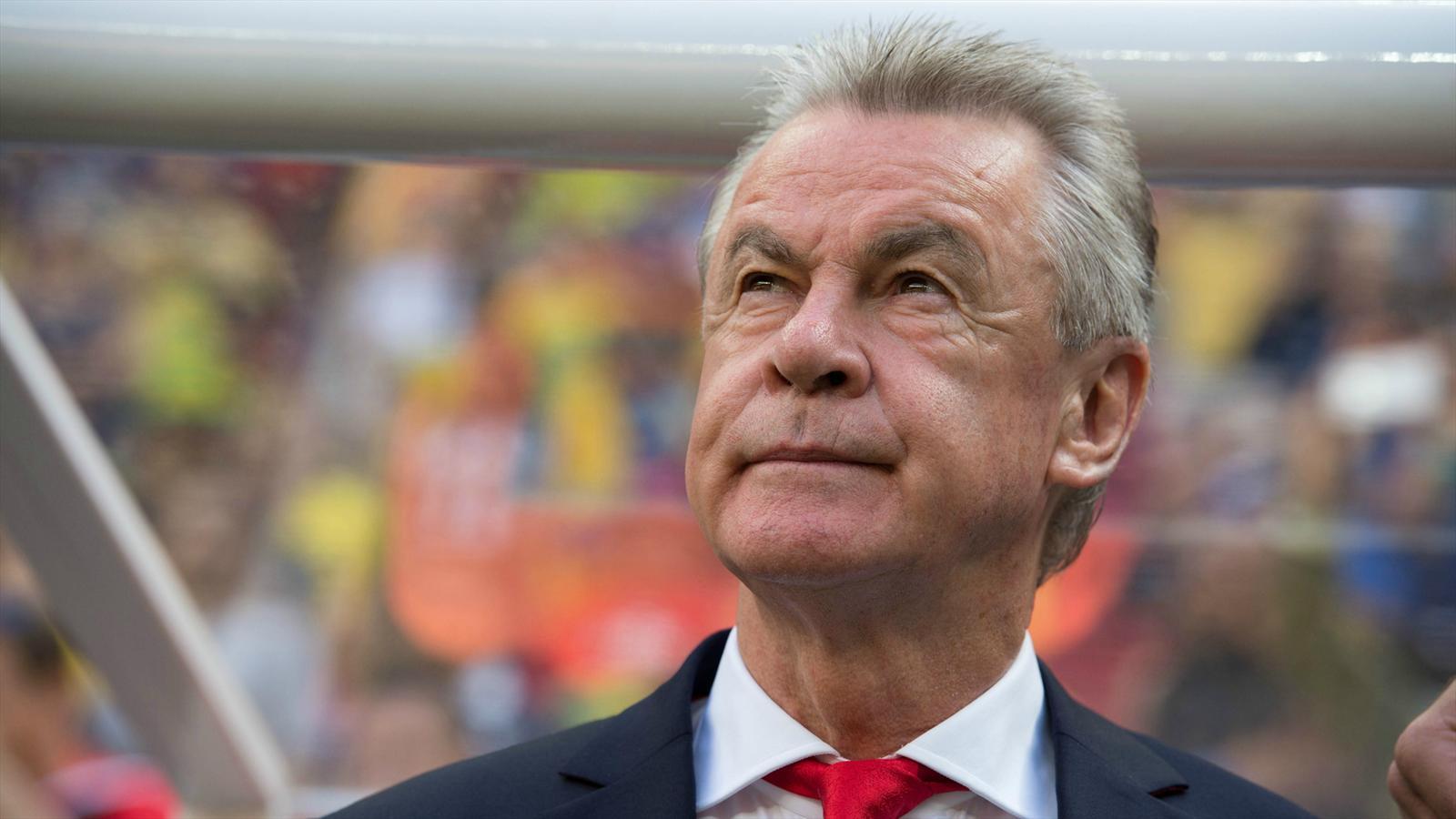 Ottmar Hitzfeld, ancien joueur de Stuttgart défend son ancien club