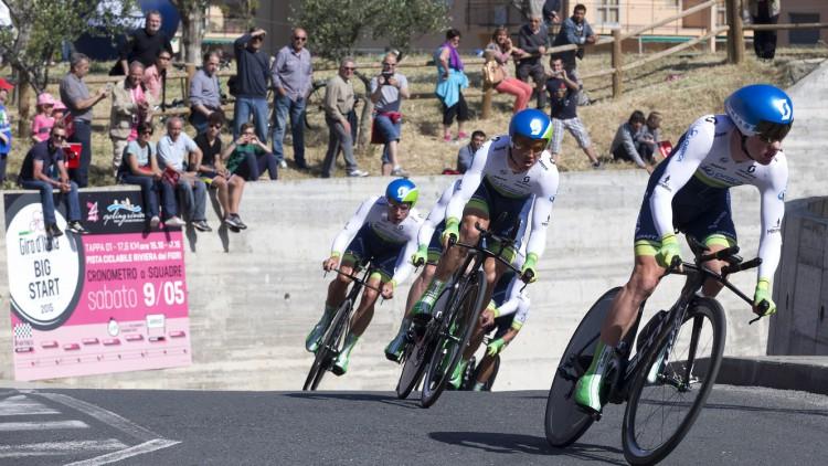 Tour d'Italie de cyclisme : Malgré sa chute Alberto Contador est toujours leader