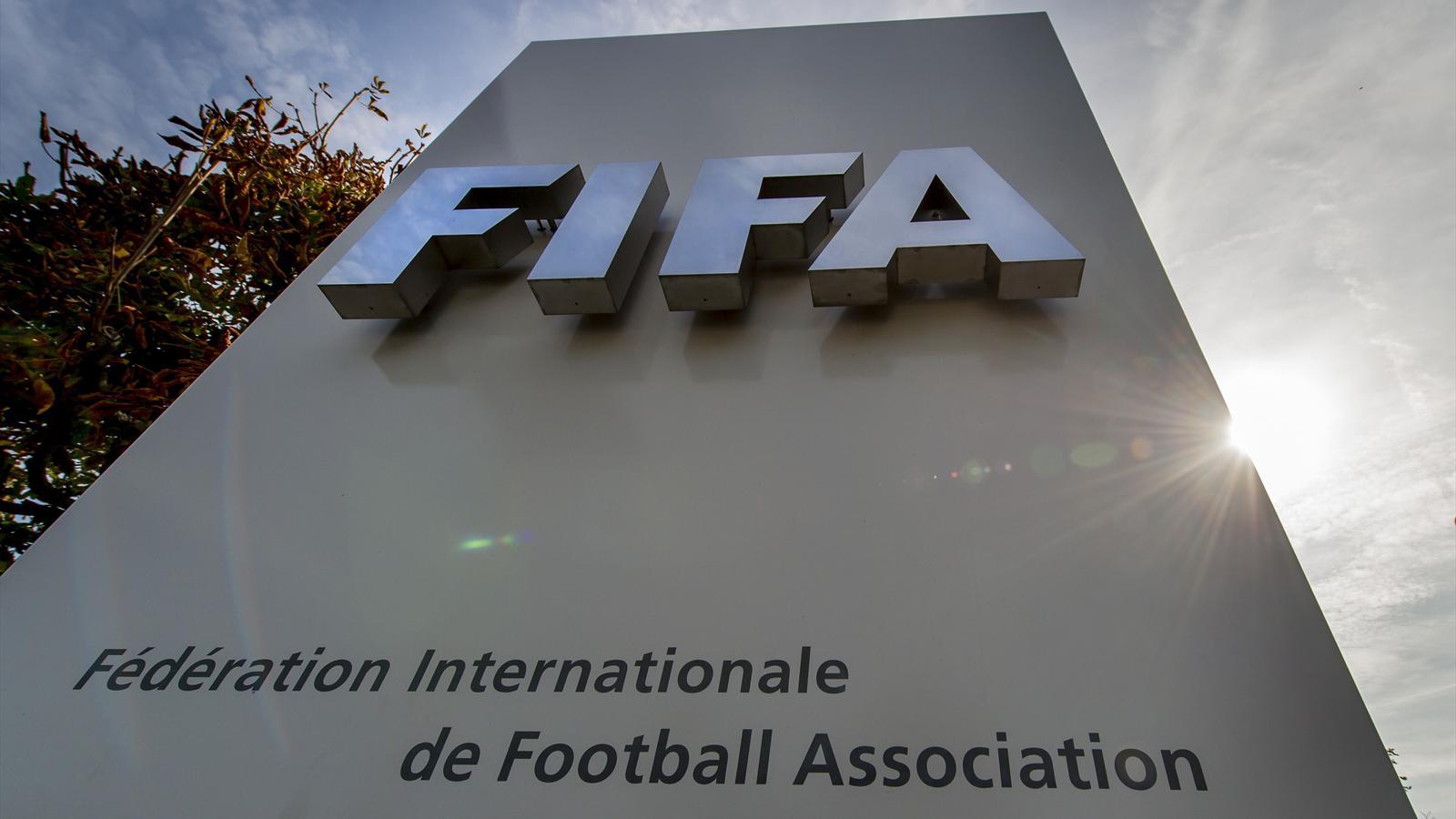 Fifa: Blatter refuse de quitter en tant que président et promet «de restaurer la confiance »